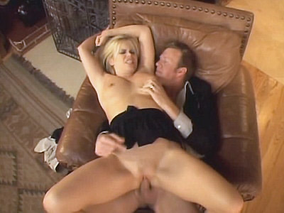 Alicia Rhodes video: Rhodes - Ass Drilled Busty Blonde